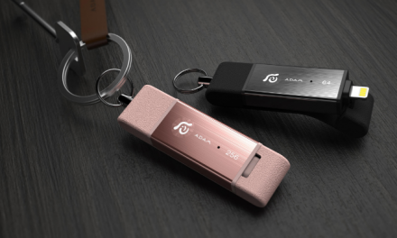 Easily Transfer Data From iPhone or iPad with iKlips Duo Thumb Drive